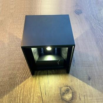 Arandela Led 2 Fachos 6W Preta Luz Branco Quente (3000K) Gd Bd0602