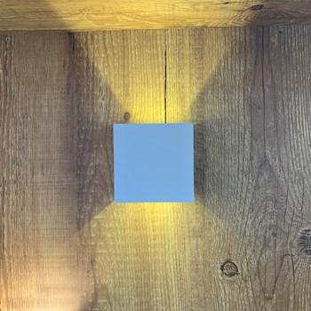 Arandela Led 2 Fachos Regulável 6W Branca Luz Quente (3000K) Bd0603